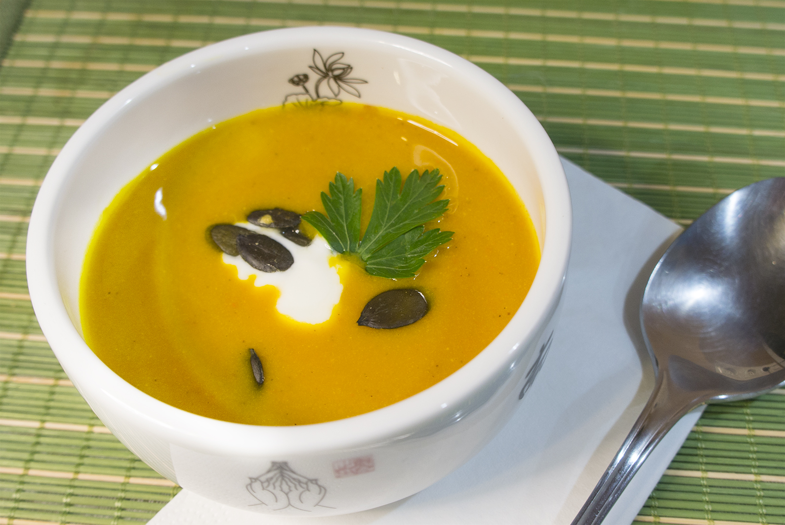 Kürbis-Joghurt-Suppe