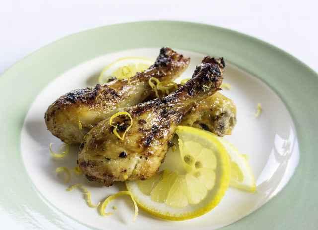 Hühnerkeulen mit Zitronen-Honig-Senf-Mariande