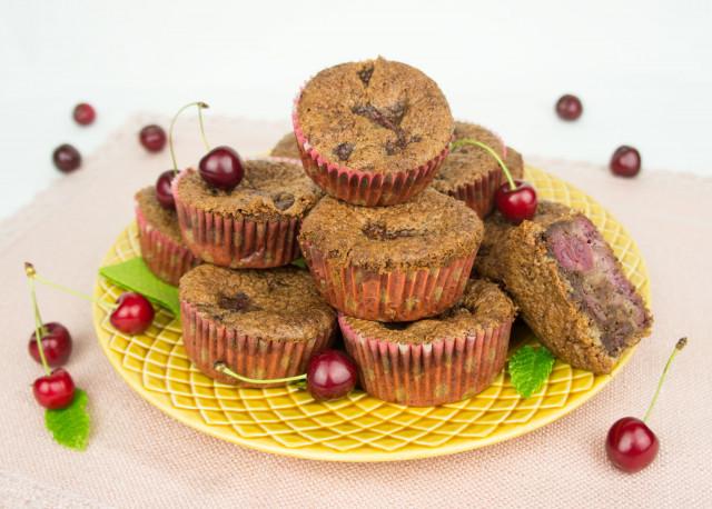 Mandel-Kakao Muffins mit Kirschen