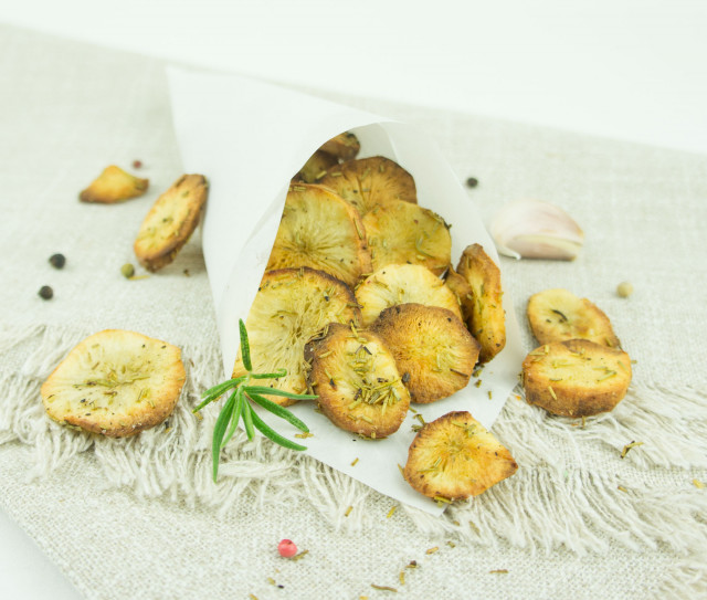 Topinambur Chips mit Rosmarin