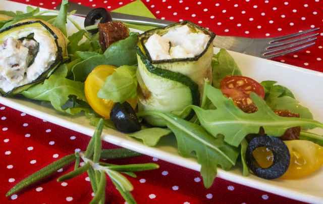 Zucchinirolle mit Mascarpone